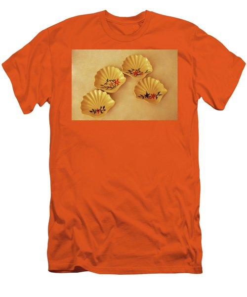 Little Shell Plate Men's T-Shirt (Slim Fit) by Itzhak Richter