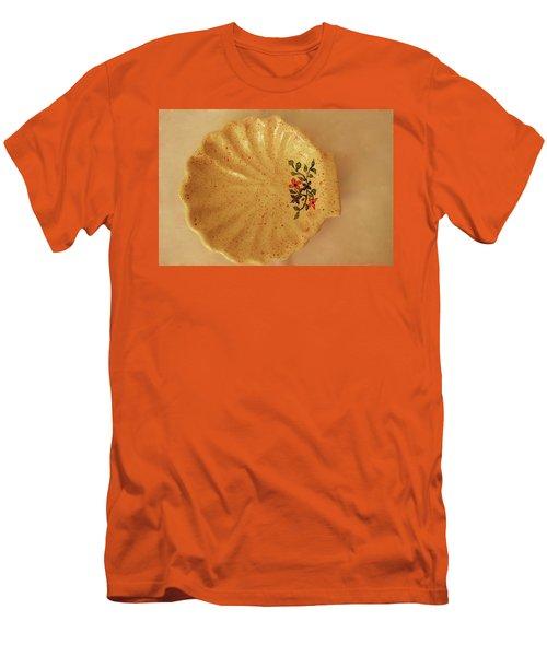 Medium Shell Plate Men's T-Shirt (Slim Fit) by Itzhak Richter