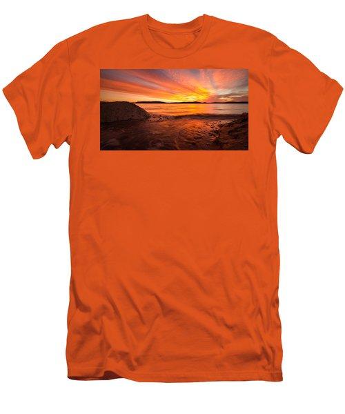 Lake Winnipesaukee Men's T-Shirt (Slim Fit)