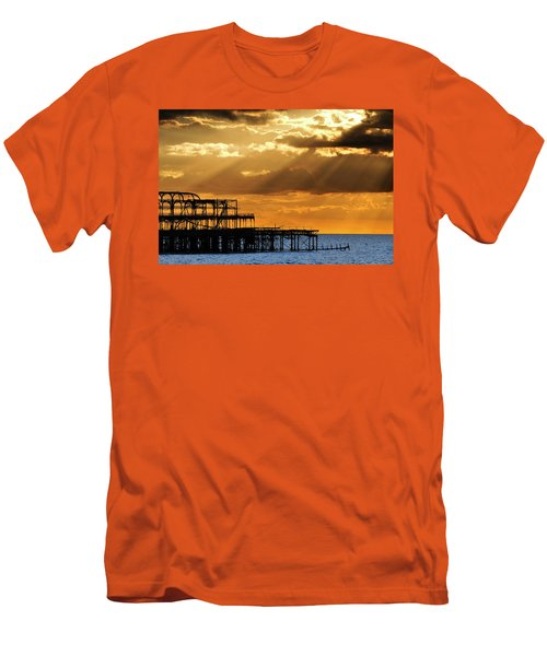 The West Pier In Brighton At Sunset Men's T-Shirt (Athletic Fit)