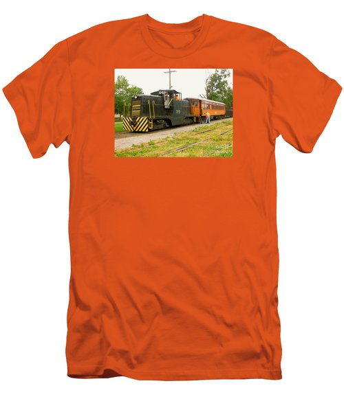 Choo Choo Men's T-Shirt (Athletic Fit)
