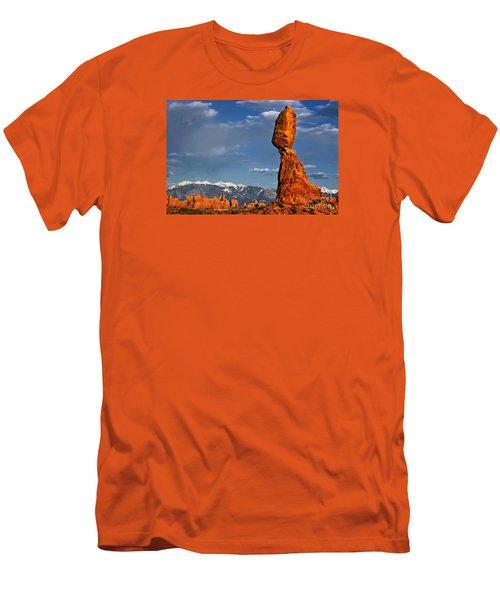 Gravity Defying Balanced Rock, Arches National Park, Utah Men's T-Shirt (Slim Fit) by Sam Antonio Photography