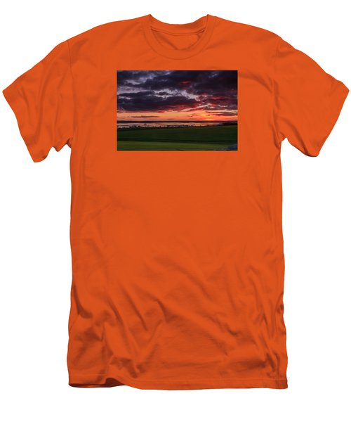 Lake Dumbleyung Sunset Men's T-Shirt (Athletic Fit)