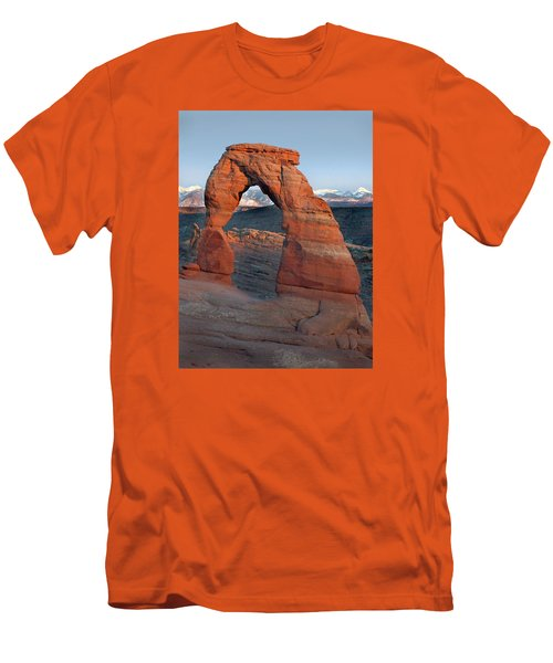 Last Light On Delicate Arch  Men's T-Shirt (Slim Fit) by Jeff Brunton