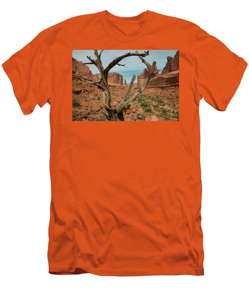 Men's T-Shirt (Athletic Fit) featuring the photograph Park Avenue by Gary Lengyel