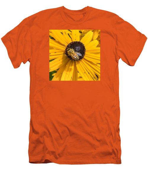 Rudbeckia With Bee Men's T-Shirt (Athletic Fit)