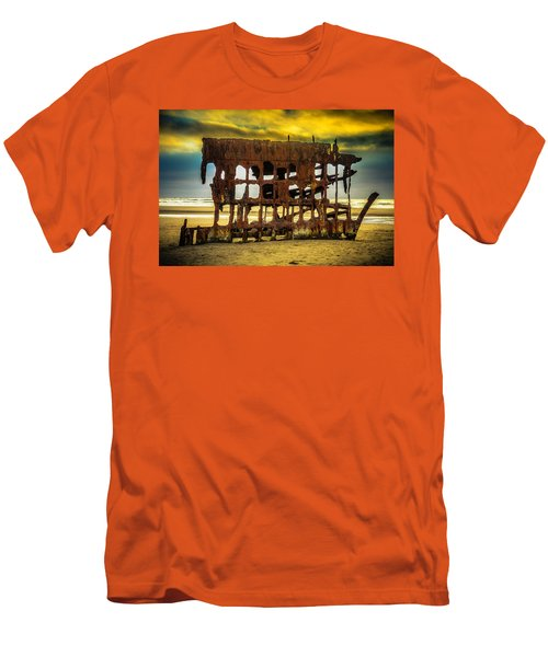 Stormy Shipwreck Men's T-Shirt (Athletic Fit)