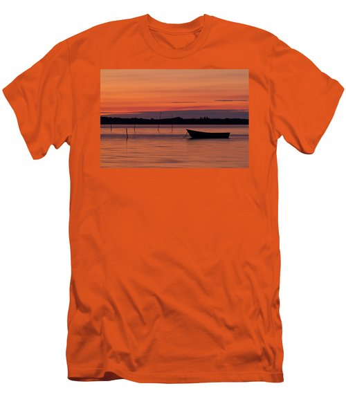 Sunset Boat Men's T-Shirt (Athletic Fit)