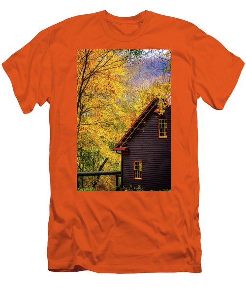 Tingler's Mill In Fall Men's T-Shirt (Athletic Fit)