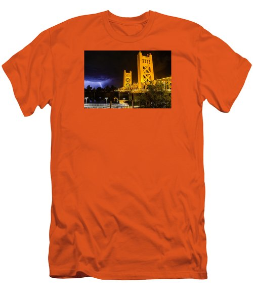 Tower Bridge Men's T-Shirt (Athletic Fit)