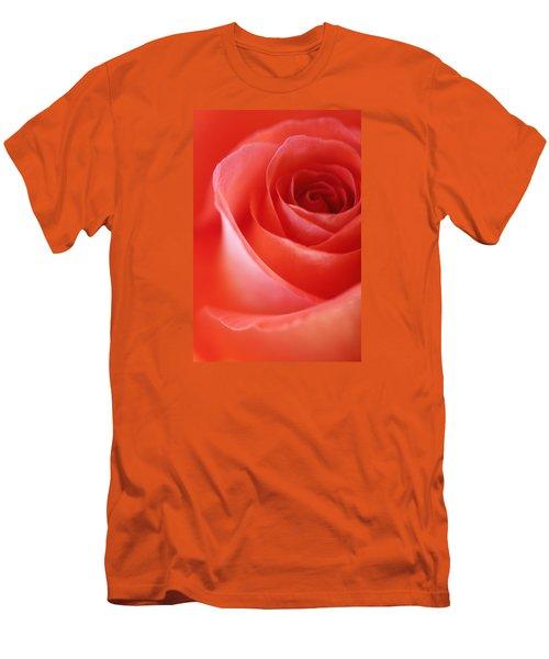 Une Rose Si Belle Men's T-Shirt (Athletic Fit)