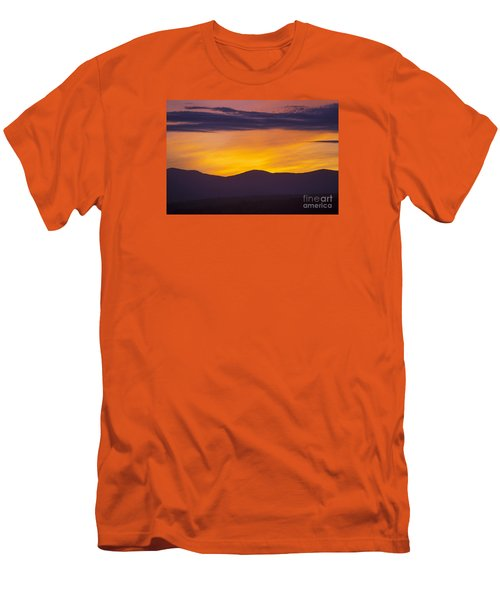 Vermont Sunset Men's T-Shirt (Athletic Fit)