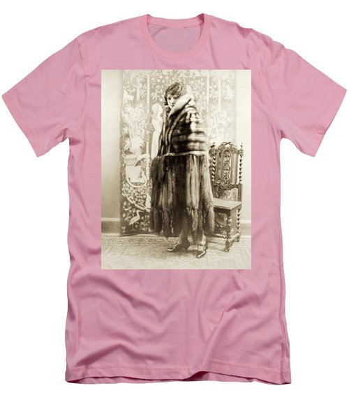 Men's T-Shirt (Slim Fit) featuring the photograph Fashion Fur, 1925 by Granger