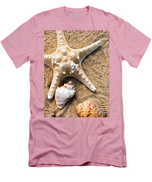Collecting Shells Men's T-Shirt (Athletic Fit)