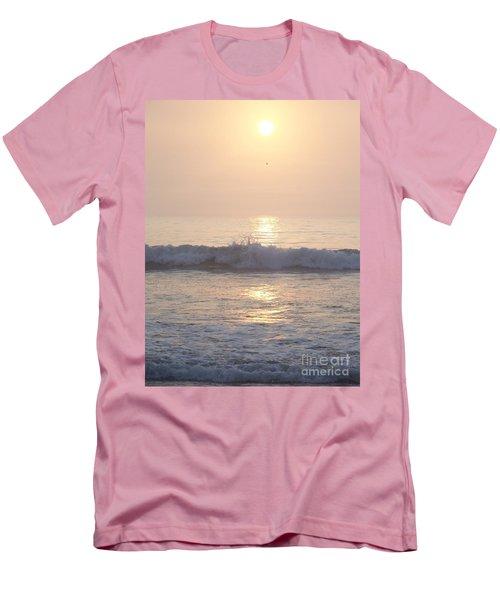 Hampton Beach Wave Ends With A Splash Men's T-Shirt (Slim Fit) by Eunice Miller