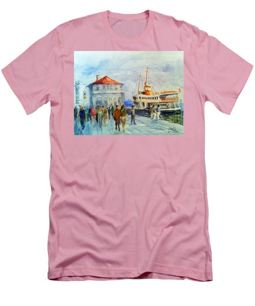 Kadikoy Ferry Arrives Men's T-Shirt (Athletic Fit)
