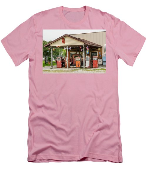 Men's T-Shirt (Athletic Fit) featuring the photograph Memories Of Route 66 by Sue Smith