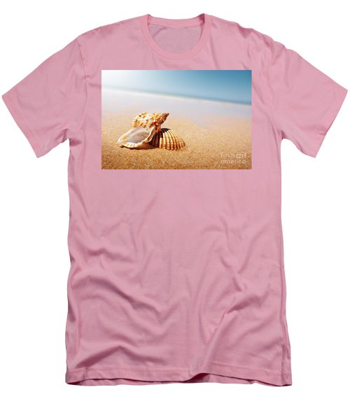 Seashell And Conch Men's T-Shirt (Athletic Fit)