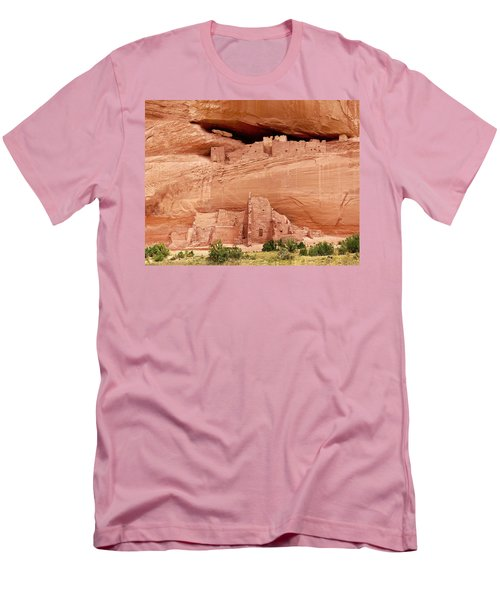 White House Ruins Canyon De Chelly Men's T-Shirt (Athletic Fit)