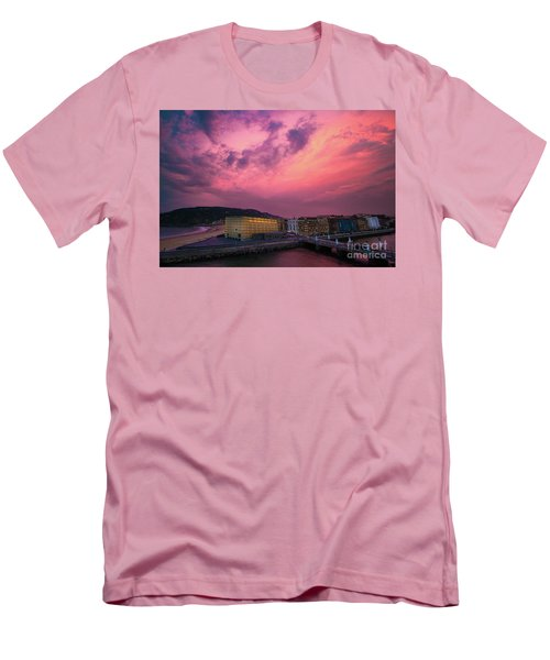 Cloudy  Men's T-Shirt (Athletic Fit)