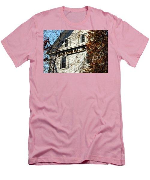Colonial Inn Men's T-Shirt (Athletic Fit)