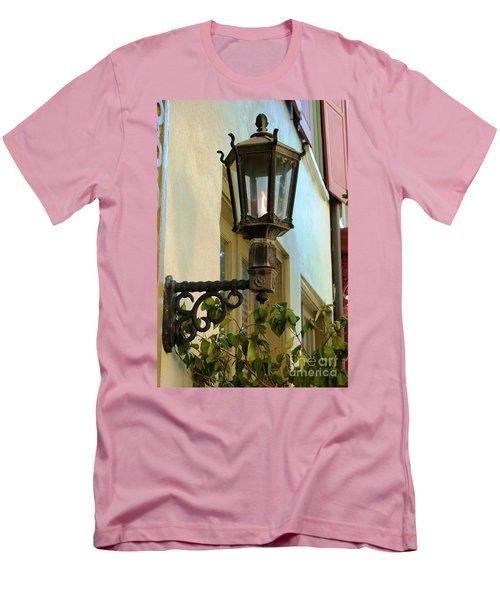 Gas Lite Men's T-Shirt (Athletic Fit)