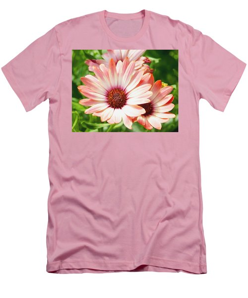 Macro Pink Cinnamon Tradewind Flower In The Garden Men's T-Shirt (Athletic Fit)