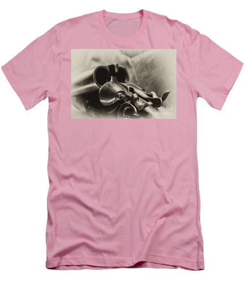 Old Shotgun Men's T-Shirt (Athletic Fit)
