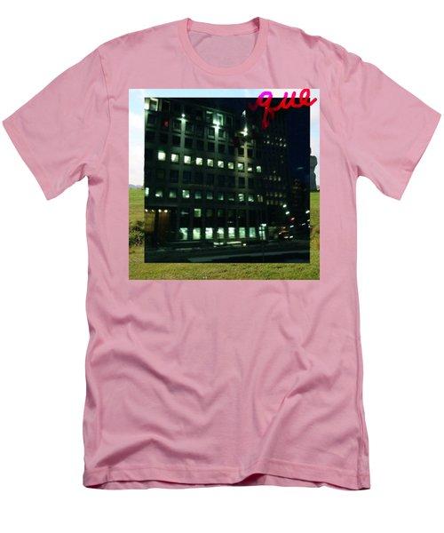 QUE Men's T-Shirt (Athletic Fit)