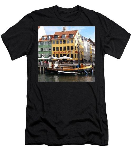 Boat In Nyhavn Men's T-Shirt (Slim Fit) by Richard Rosenshein