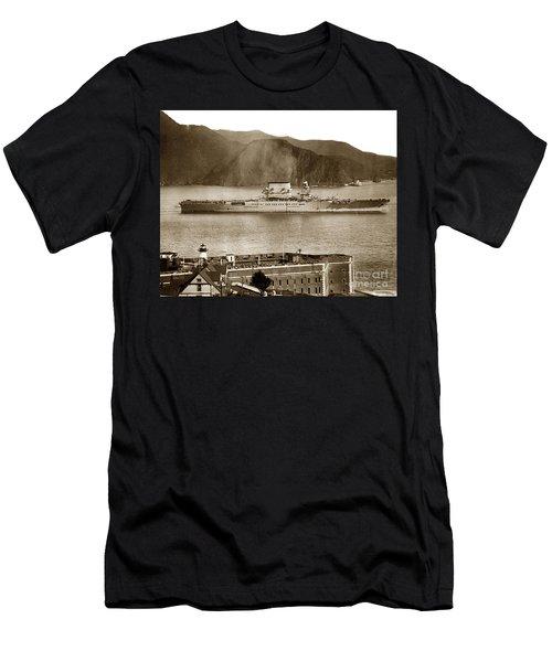 U. S. S. Lexington Cv-2 Fort Point Golden Gate San Francisco Bay California 1928 Men's T-Shirt (Athletic Fit)