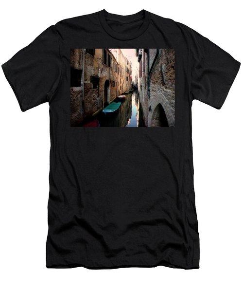 L'aqua Magica  Men's T-Shirt (Athletic Fit)