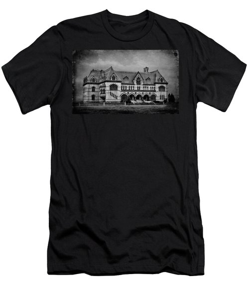 Old Post Office - Customs House B W Men's T-Shirt (Athletic Fit)
