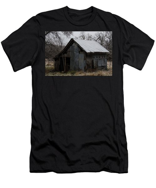 Patchwork Barn With Icicles Men's T-Shirt (Athletic Fit)