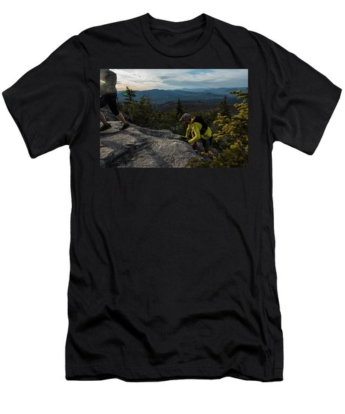 Runners On Black Cap In New Hampshire Men's T-Shirt (Athletic Fit)