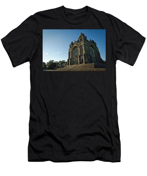 Santuario Do Sagrado Coracao De Jesus Men's T-Shirt (Athletic Fit)