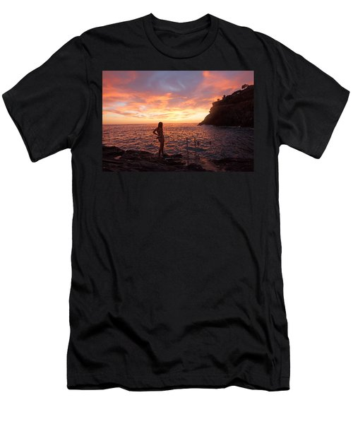 Silhouette Men's T-Shirt (Athletic Fit)