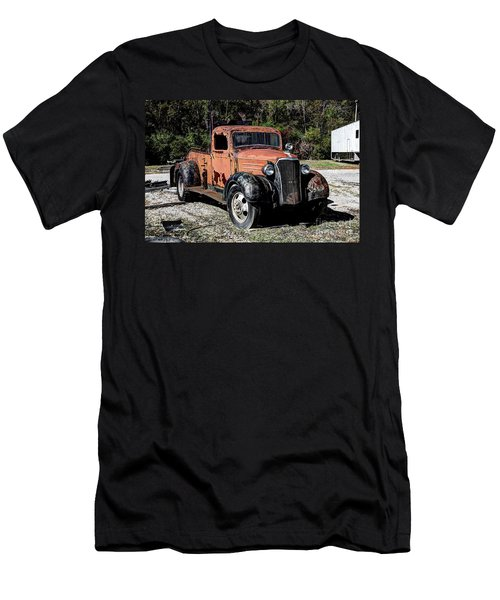 1937 Chevy Wrecker Men's T-Shirt (Athletic Fit)
