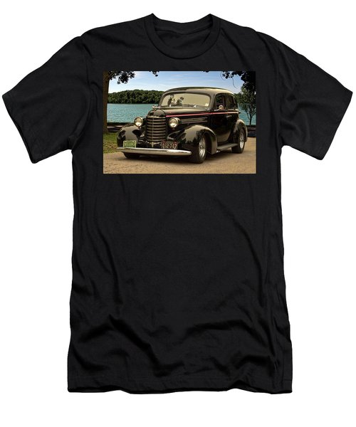1937 Oldsmobile Custom Sedan Hot Rod Men's T-Shirt (Athletic Fit)