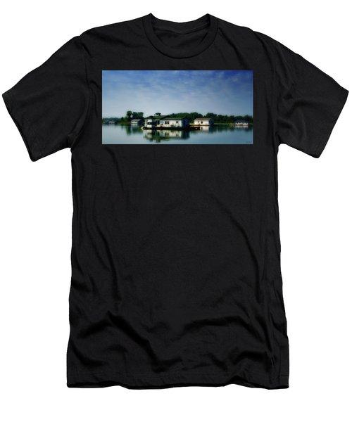 Horseshoe Pond Men's T-Shirt (Athletic Fit)