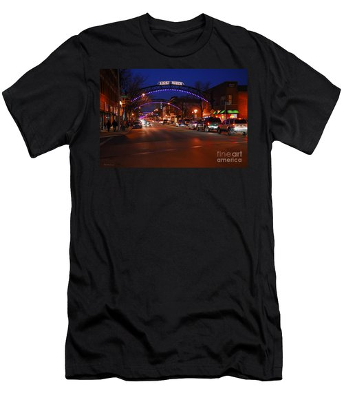D8l-353 Short North Gallery Hop Photo Men's T-Shirt (Athletic Fit)