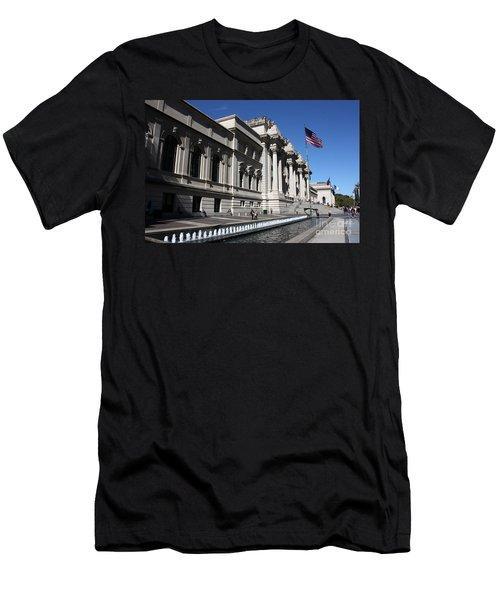 The Met Men's T-Shirt (Slim Fit) by David Bearden