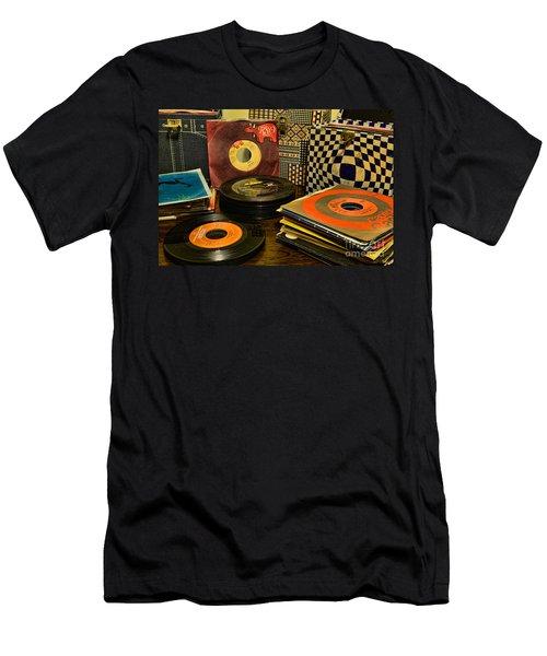Vintage Vinyl Men's T-Shirt (Slim Fit) by Paul Ward