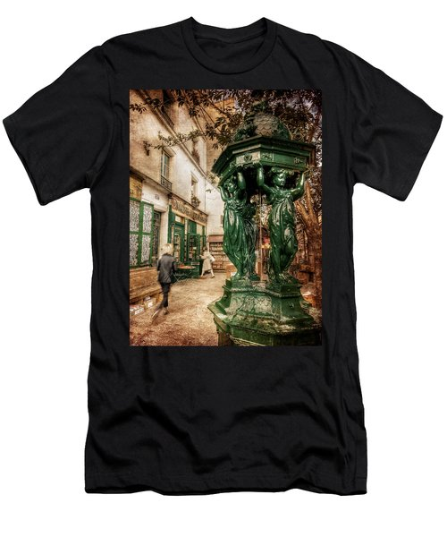 Wallace Fountain By Shakespeare And Co / Paris Men's T-Shirt (Athletic Fit)