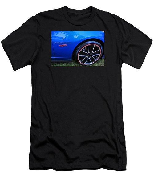 2014 Camaro Hot Wheels Men's T-Shirt (Slim Fit)