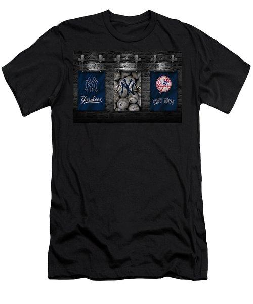 New York Yankees Men's T-Shirt (Athletic Fit)