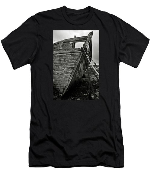 Old Abandoned Ship Men's T-Shirt (Athletic Fit)