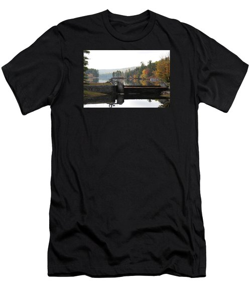 Pine River Pond  Men's T-Shirt (Athletic Fit)