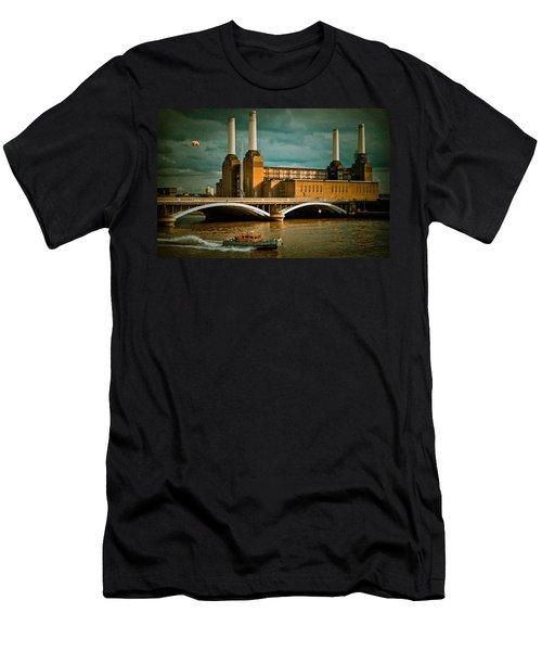 Pink Floyd Pig At Battersea Men's T-Shirt (Slim Fit) by Dawn OConnor