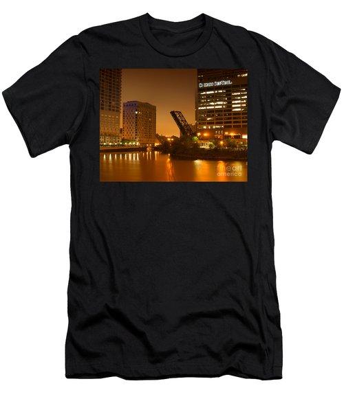 Chicago Men's T-Shirt (Athletic Fit)
